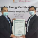 PT Johnson & Johnson Indonesia berkolaborasi dengan Star Energy Geothermal dalam upaya menghasilkan listrik yang 100% berasal dari sumber yang dapat diperbaharui